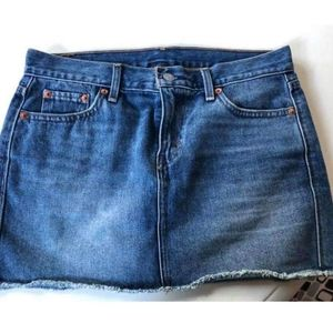 Levi's Cut-off denim jean skirt size 25